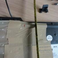 (18) Com a serra, faça dois cortes verticais, um sobre cada marcação.